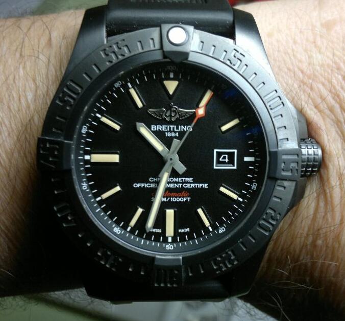 Replica Breitling Avenger Blackbird 48 Hands-on Review