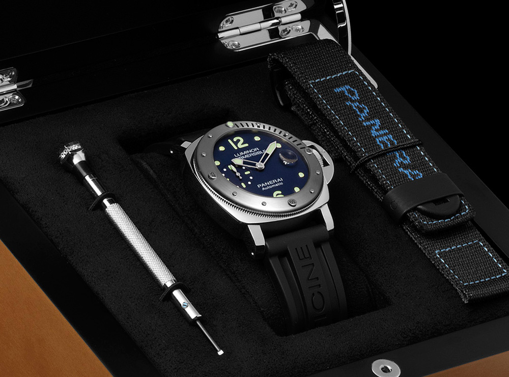 Replica Panerai Luminor Submersible Automatic Acciaio PAM731 Watch Review