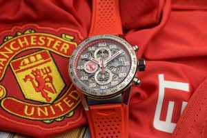 Swiss Replica TAG Heuer Carrera Heuer 01 Manchester United Special Edition Chronograph 43mm Watch For 2018