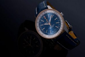 Description of Replica Breitling Navitimer Automatic 41 Steel With 18k red gold Southeast Asia Edition Watch