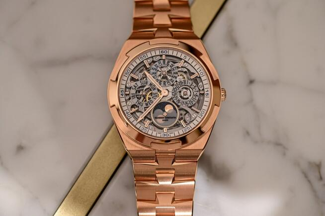 Replica Vacheron Constantin Overseas Perpetual Calendar Ultra-Thin Skeleton Pink Gold 4300V Watch Review