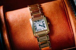 The Unboxing of A Replica Cartier Tank Français 18k Gold 20mm Watch 2