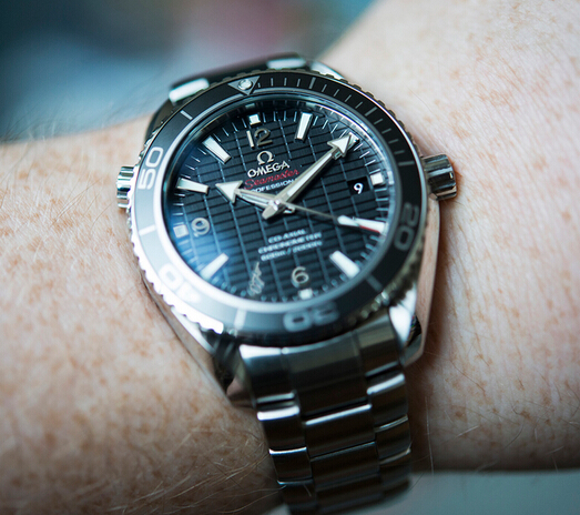 Replica Omega Seamaster Planet Ocean Skyfall Hands-on Review