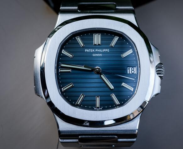 Replica Patek Philippe Nautilus Blue Dial Steel 42mm 5711 Watches Review 1